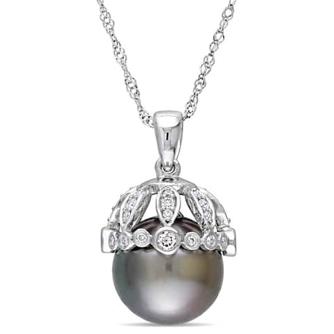 Miadora Signature Collection 14k White Gold Black Tahitian Pearl and 1/4ct TDW Diamond Crown Drop Necklace (9-9.5 mm)