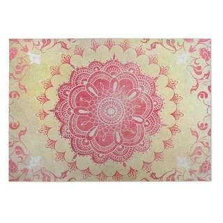 Kavka Designs Gold/ Coral Garland 2' x 3' Indoor/ Outdoor Floor Mat