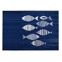 Kavka Designs Blue/ Ivory Fish Indoor/Outdoor Floor Mat ( 5' X 7' ) - 5' x 7'