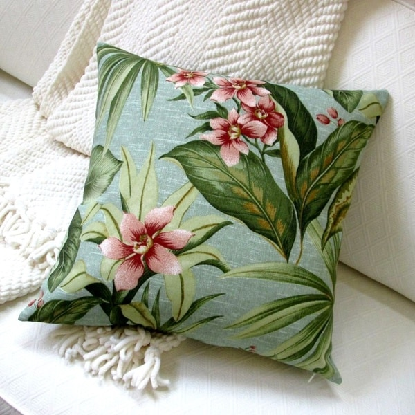 18-inch Indoor/Outdoor Island Hawaiian Beach Bahamian Tropical Palm and flowers in Green - Throw Pillow (Set of 2)