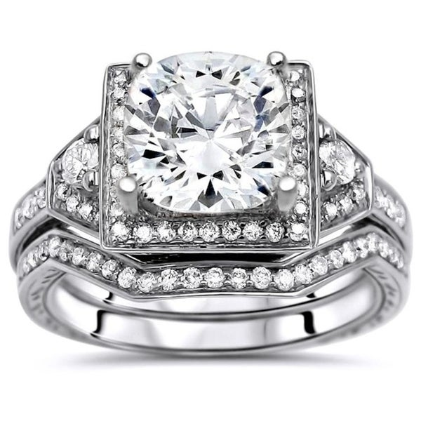3198639854800 Shop 2 1/5 CT TGW Cushion Cut Moissanite and Round Diamond ...