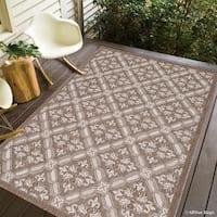 "Allstar Mocha/ Ivory Indoor Outdoor With Floral Design Rug (7' 10"" X 10' 2"")"
