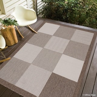 "Allstar Mocha/ Ivory Indoor Outdoor With Square Design Rug (7' 10"" X 10' 2"")"