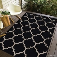 "Allstar Black/ Ivory Indoor Outdoor With Trellis Pattern Rug (7' 10"" X 10' 2"")"