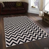 "Allstar Black/ Ivory Indoor Outdoor With Arrow Pattern Rug - 7' 10"" X 10' 2"""