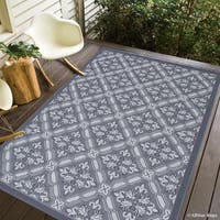 "Allstar Grey/ Ivory Indoor Outdoor With Floral Design Rug (7' 10"" X 10' 2"")"