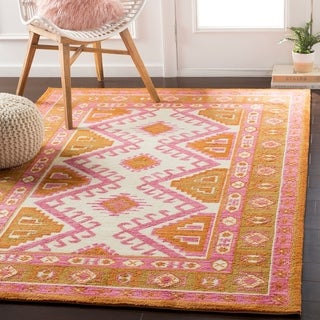 Ezrah Traditional Southwestern Rose Area Rug - 5' x 7'6""