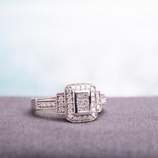 Miadora 14k White Gold 1/3ct TDW Diamond Halo Cluster Engagement Ring