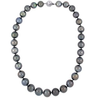 Miadora Signature Collection 14k White Gold Graduated Black Tahitian Pearl Necklace with Diamond Ball Clasp (12-14.9 mm)