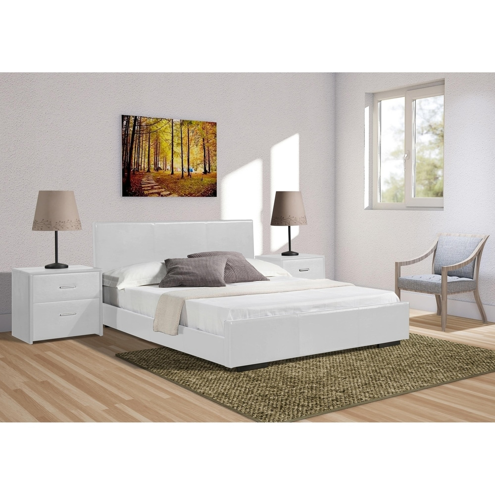 Abbey Bed in White (Queen)
