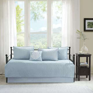 Madison Park Mansfield Blue Solid Reversible 6-piece Daybed Set (Option: Blue)|https://ak1.ostkcdn.com/images/products/17126587/P23393951.jpg?impolicy=medium