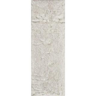 Silver Orchid Martin Faux Fur Ivory/ Grey Shag Rug (2'6 x 7'6) - 2'6 x 7'6