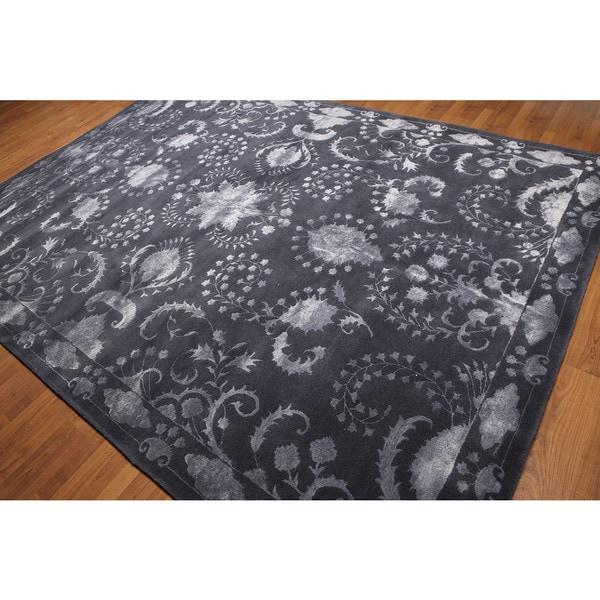 Transitional Tone-on-tone Aubergene Wool/ Bamboo Silk Area Rug (8'x11')