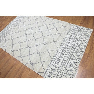 Moroccan Grey/Beige Wool Handmade Rug (5' x 8')