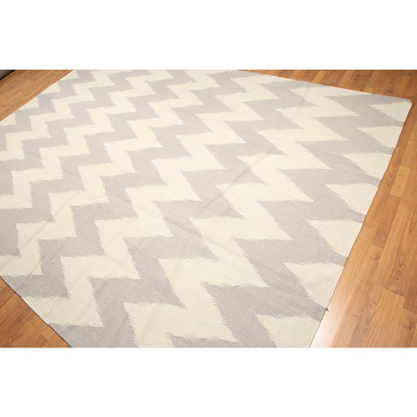 Handwoven Kilim Dhurry Beige/ Grey Chevron Rug - Multi-color