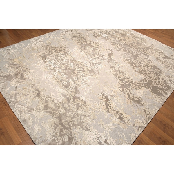 Beige/ Tan Wool and Rayon from Bamboo Tufted Area Rug - 8' x 10'