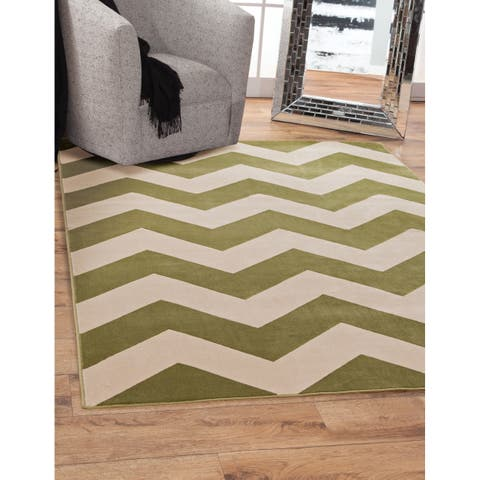 """Cambrie Green/Ivory Area Rug by Greyson Living - 5'3"""" x 7'6"""""""