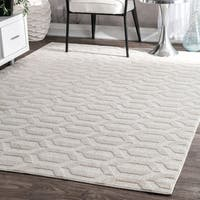 nuLOOM Contemporary Geometric Raised Hexagons Ivory Rug (7'6 x 9'6)