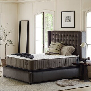Stearns & Foster Oak Terrace 15-inch Luxury Plush King-size Mattress Set