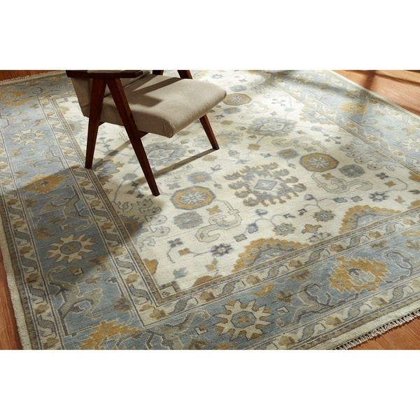 Umbria Hand-knotted Ivory/ Light Blue Wool Rug (8' x 10') - 8' x 10'