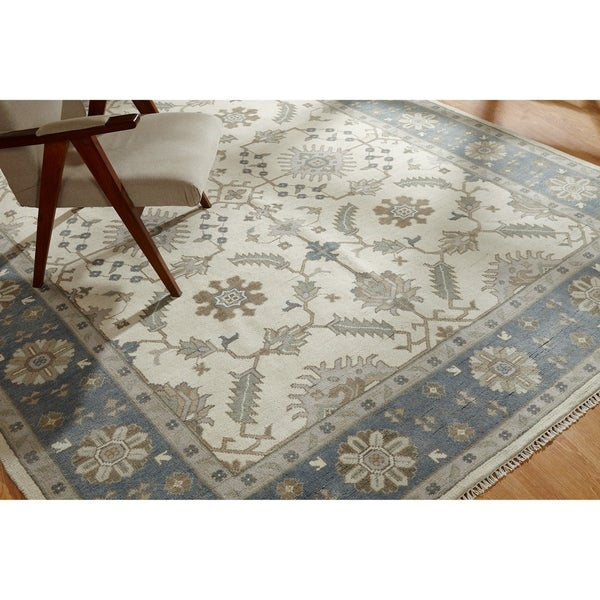Hand-knotted Umbria Ivory/Blue Wool Rug (8' x 10') - 8' x 10'