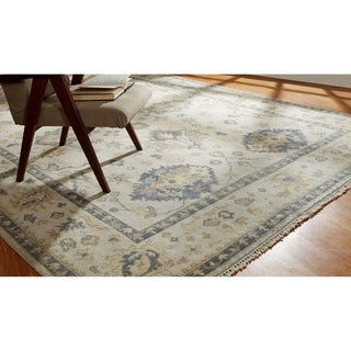 Hand-knotted Umbria Ivory Wool Rug (10' x 14') - 10' x 14'