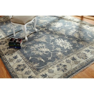 Umbria Grey/Ivory Wool Hand-knotted Rug (10' x 14') - 10' x 14'