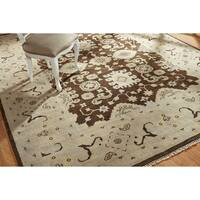 Umbria Brown/Ivory Wool Hand-knotted Rug (8' x 10') - 8' x 10'