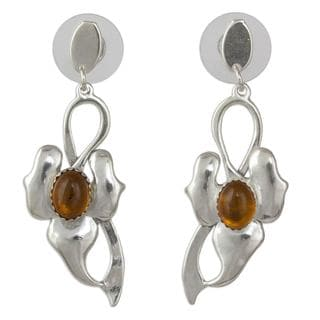 Handcrafted Sterling Silver 'Honeyed Leaf' Amber Earrings (Mexico)