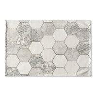 Kavka Designs Grey/Ivory Hexa Flat Weave Bath mat (2' x 3')