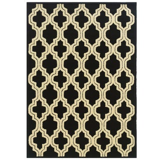 Hand Tufted Le Soleil Outdoor Collection Quatrefoil Black and Cream Rug - 8' x 10'