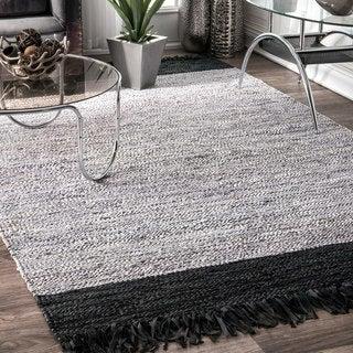 nuLoom Silver/Black Leather/Cotton Handmade Flatweave Contemporary Tassel Rug (7'6 x 9'6)