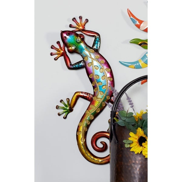 Studio 350 Metal Wall Lizard 10 inches wide, 25 inches high
