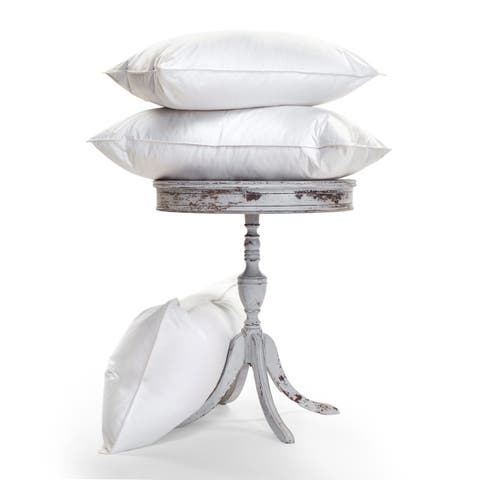 Luxurious, Temperature-Regulating, 900-Fill Ogallala Pillow