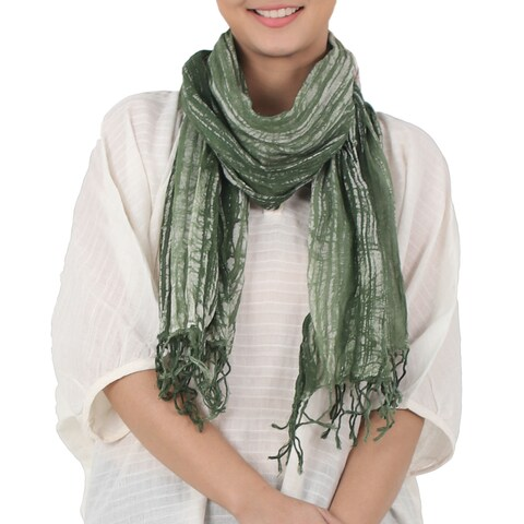 Handmade Cotton 'Speckled Field in Moss' Batik Tie-dyed Scarf (Thailand)