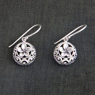 Handmade Sterling Silver 'Loyal Promise' Earrings (Indonesia)