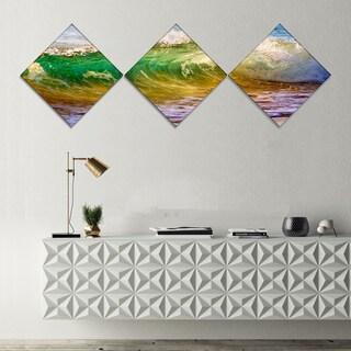 Designart 'Ocean Turning Green' Seascape Canvas Art Print - 3 Diamond Canvas Prints