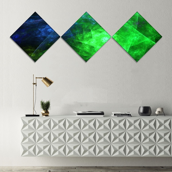 Designart 'Green Rotating Polyhedron' Abstract Canvas Art Print - 3 Diamond Canvas Prints