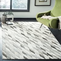 Safavieh Hand-Woven Studio Leather Ivory/ Grey Leather Rug - 8' x 10'