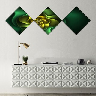 Designart 'Fractal Green Flower on Black' Floral Canvas Art Print - 3 Diamond Canvas Prints