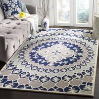 Safavieh Handmade Bellagio Bohemian Navy Blue/ Ivory Wool Rug - 5' Square