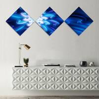Designart 'Exotic Blue Flower Dance of Petals' Floral Canvas Art Print - 3 Diamond Canvas Prints