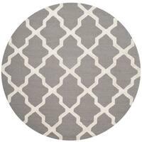 Safavieh Handmade Cambridge Grey/ Ivory Wool Rug - 6' Round