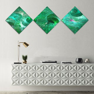 Designart 'Green Fractal Glass Texture' Abstract Canvas Art Print - 3 Diamond Canvas Prints