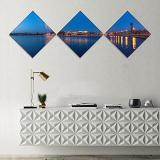 Designart 'Embankment of City Panorama' Cityscape Canvas Art Print - 3 Diamond Canvas Prints