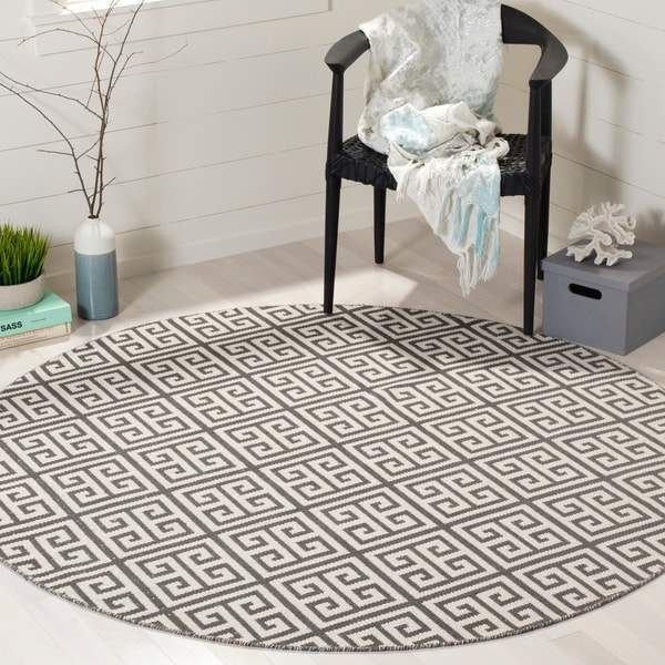 Safavieh Hand-Woven Montauk Dark Grey/ Ivory Cotton Rug - 6' Round