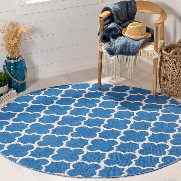 Safavieh Hand-Woven Montauk Blue/ Ivory Cotton Rug - 6' Round