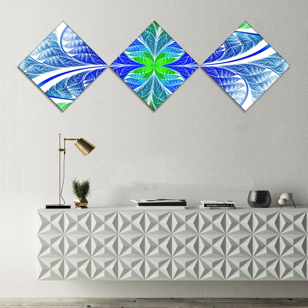Designart 'Green Blue Fractal Glass Texture' Abstract Canvas Art Print - 3 Diamond Canvas Prints