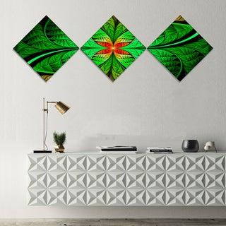 Designart 'Fractal Green Leaf Design' Abstract Canvas Art Print - 3 Diamond Canvas Prints