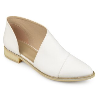 Journee Collection Women's 'Quelin' D'orsay Almond Toe Flats